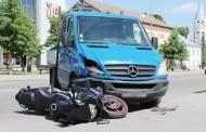 Ilgojo savaitgalio išvakarėse dužo automobiliai, buvo sužeistų