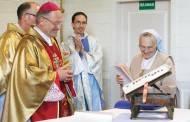 Sukakčių proga vienuolė apdovanota Mero padėkos ženklu