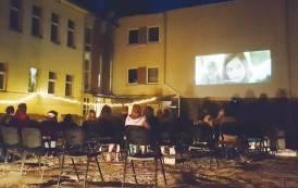 Tarptautinė jaunimo diena pažymėta naktiniu kino seansu