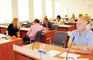 Posėdyje – apie jaunimo, finansų, atliekų tvarkymo problemas