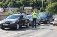 Trijų automobilių susidūrimas paralyžiavo eismą mieste