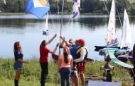 Žirnajų ežerą šturmavo burlaiviai