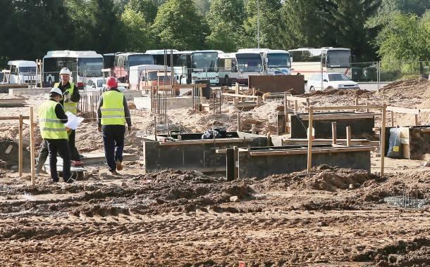 Buvusios Autobusų stoties vietoje įsibėgėja statybos