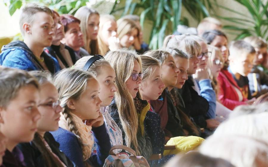 Į renginį Vlado Šlaito viešojoje bibliotekoje susirinko nemažai moksleivių.