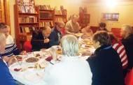 Vienišus taujėniškius sukvietė prie bendro stalo
