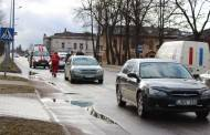 Kauno gatvėje – trijų automobilių avarija