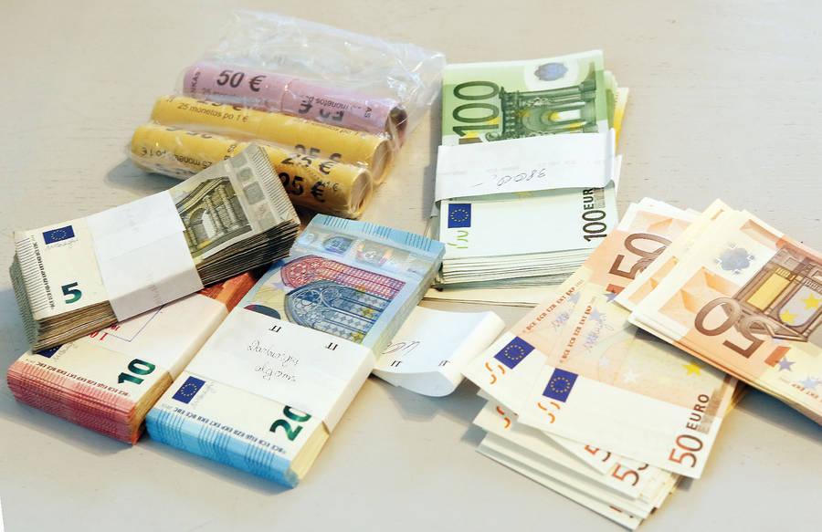 Pinigai pateko į sukčių rankas?