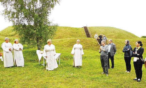 Berzgainių piliakalnis, Ukmergė2