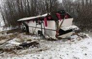 Apvirtus autobusui nukentėjo dešimtys vaikų