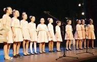 """Labdaros koncerto """"Baltas angelas"""" žiūrovai aukojo Prezidento paminklui"""