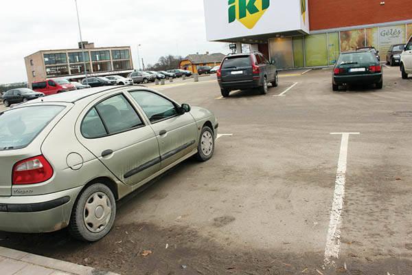 Vairuotojai nepaiso pažymėtų vietų