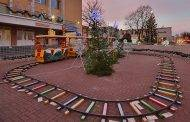 Kalėdų šventės vaikų žaidimų aikštelėse