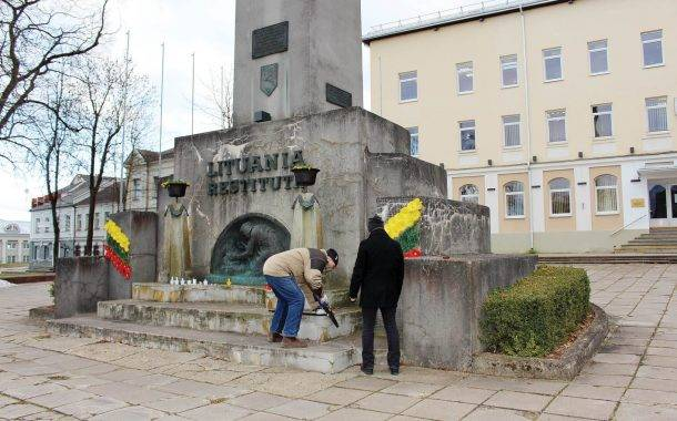 Nepriklausomybės paminklą remontuos po miesto šventės