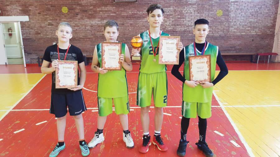 Dukstynos mokykloje – krepšinio turnyras