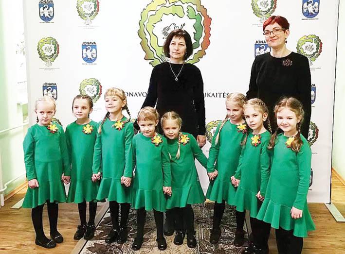 """""""Dainų dainelės"""" koncerte –aštuoni kolektyvai iš Ukmergės"""
