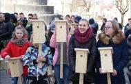 100 inkilėlių dovanojo Lietuvai