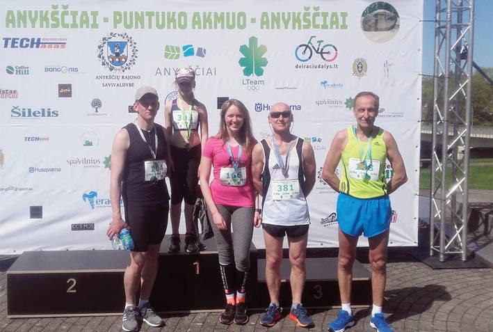 Bėgikus sveikino trys olimpiniai čempionai