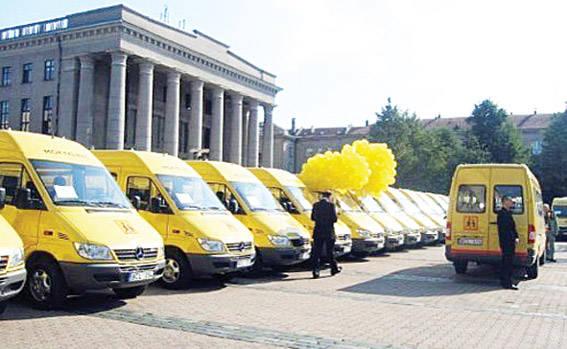 Rajono mokykloms – trys geltonieji mokykliniai autobusai