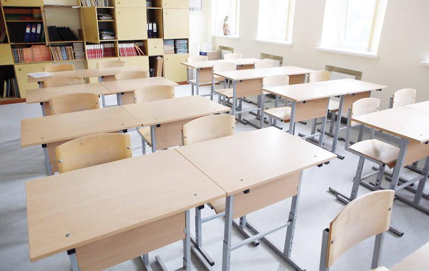 Mažėja ir moksleivių, ir studentų