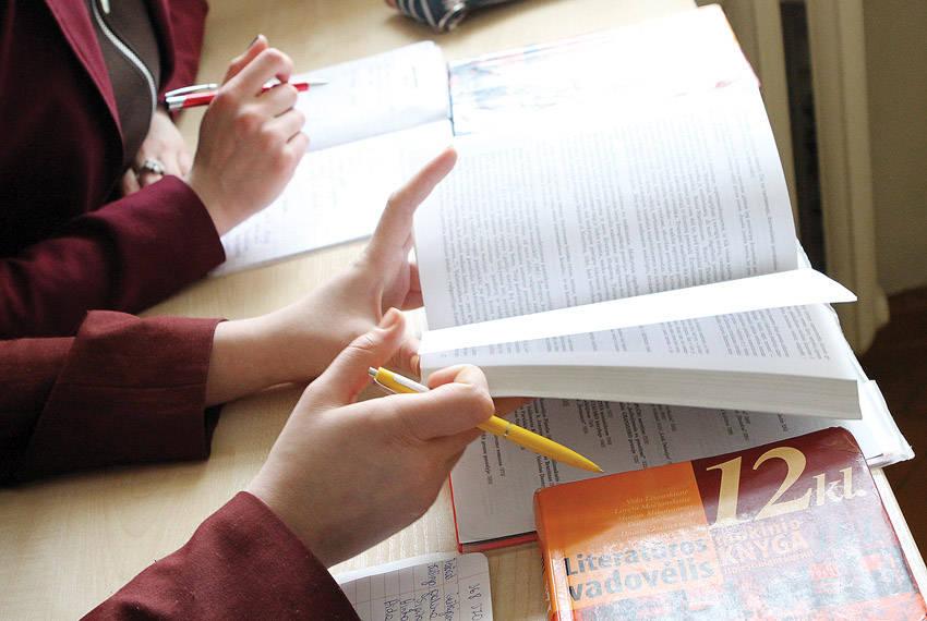 Motyvuotiems abiturientams – antras šansas pagerinti valstybinių egzaminų rezultatus