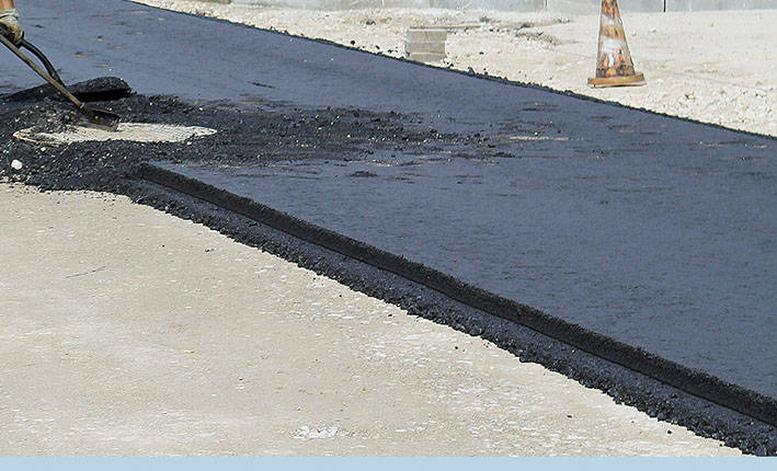 Gatvės asfaltavimui pinigų neužteko
