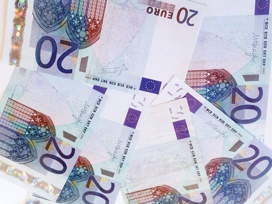Žengė žingsnį veiksmingesnės grynųjų pinigų kontrolės link