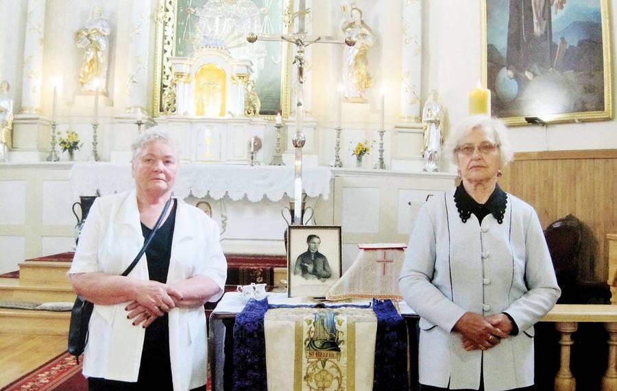Giminaičiai pagerbė šviesuolio kunigo atminimą