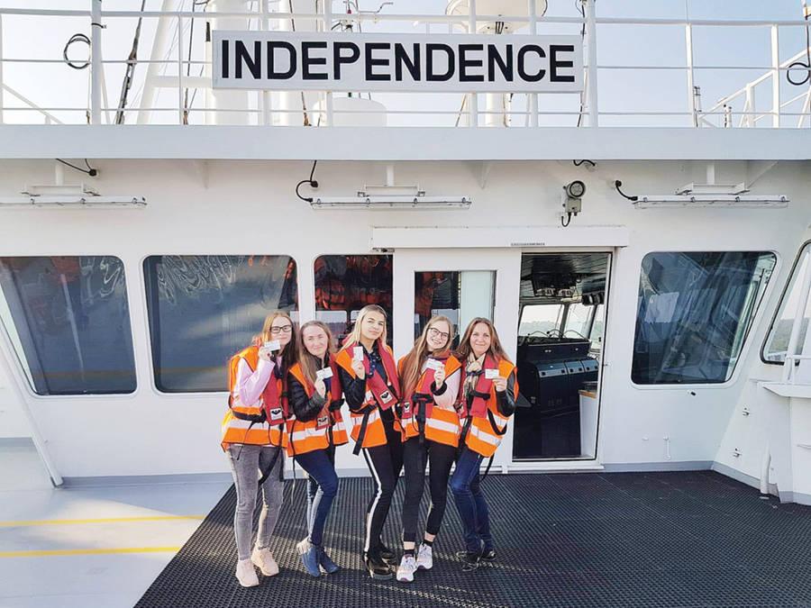 """Siesikų gimnazijos abiturientai lankėsi ,,Independence"""""""