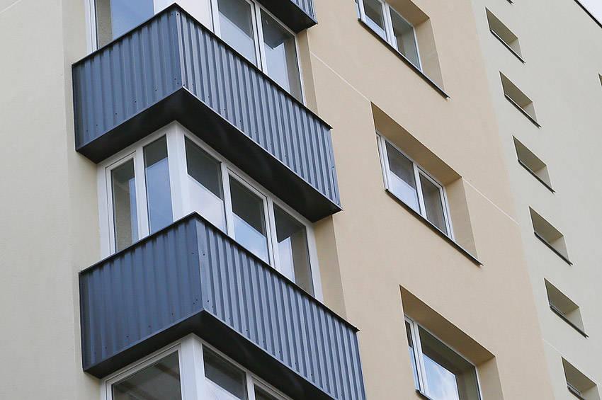 Vagys į butus pateko per balkonus