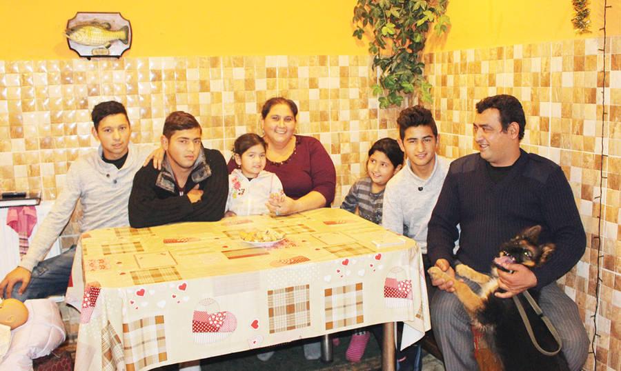 """Romų šeima: """"Mes kitaip gyvename, kitaip mąstome""""..."""