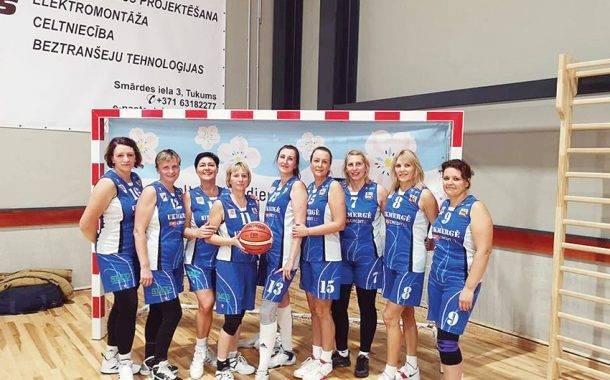 Krepšinio veteranės garbingai atstovauja Ukmergei