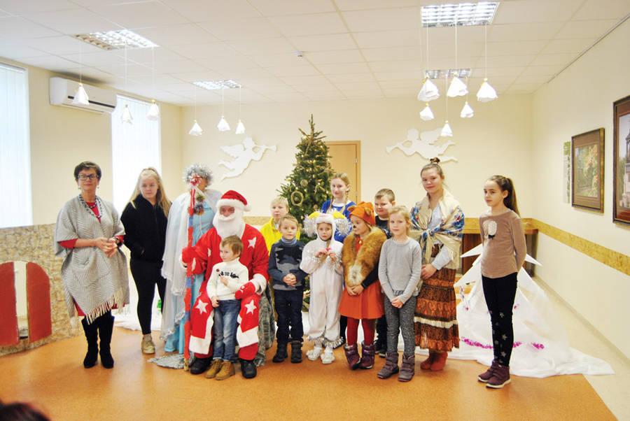 Kalėdų šventėms – mažųjų lyduokiečių spektaklis