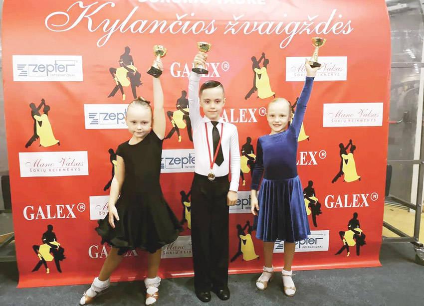 Sportinių šokių varžybose – pergalės