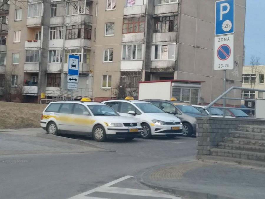 Patikrinus 8 Jonavoje dirbusius taksistus, pas visus nustatyta pažeidimų